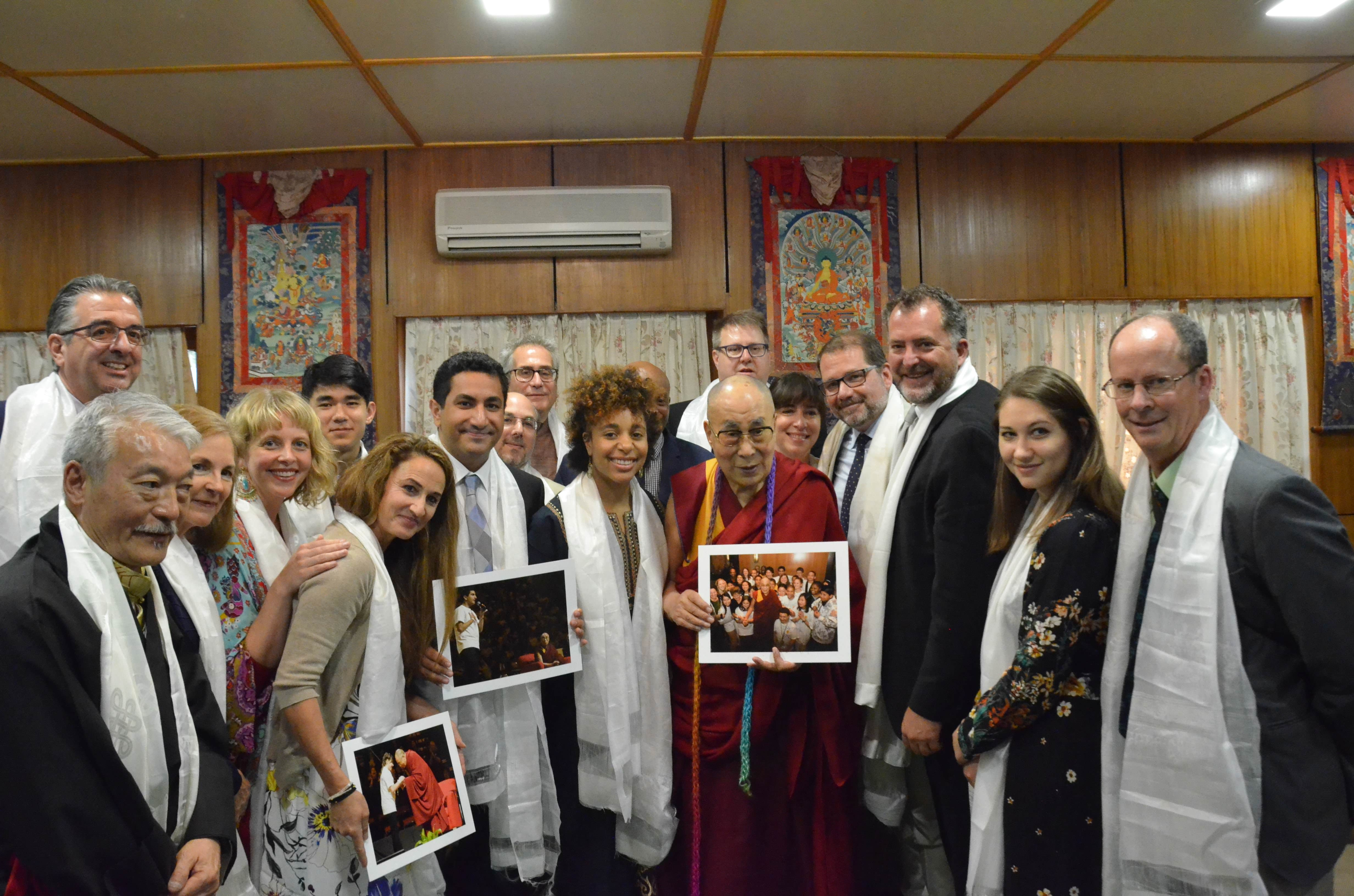group photo with HHDL 2018
